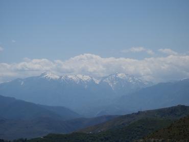 tatsächlich Ende Mai noch Schnee auf den Bergen