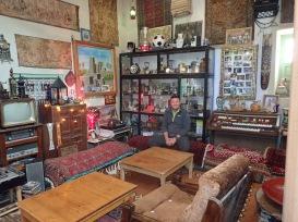 Der Hobby-, Musik- und Sammlerraum der 26 köpfigen Familie